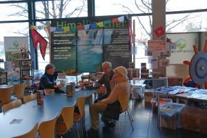 Henriette Bryn og Åge Birger Hofseth fra Himalaya Møre har hatt utstilling på MF i anledning misjonsuka der.